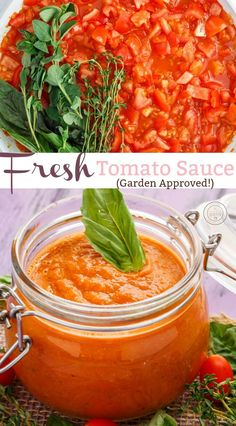 When the garden tomatoes start rolling in, sauce is in order! This homemade fresh tomato sauce is super simple, vegan, vegetarian, and gluten-free! White Pizza Recipes, Whole Food Recipes, Healthy Homemade Pizza, Sauces, Homemade Tomato Sauce, Vegan Tomato Sauce Recipe, Fresh Tomato Recipes, Vegetarian Recipes, Vegan Vegetarian