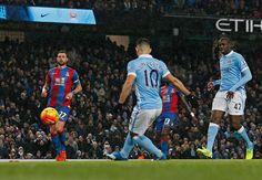 Sergio Aguero dan David Silva menunjukkan betapa pentingnya peran mereka bagi Manchester City untuk merebut gelar Barclays Premier League, dengan kontribusi luar biasa mereka saat menang telak 4-0 atas Crystal Palace pada hari Sabtu. http://dewawin.co/aguero-dan-silva-sangat-berperan-penting-di-man-city/