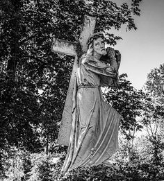 """Dacă oamenii, rudele ți-ar face bine, ție ce cruce ți-ar mai rămâne?"" | La Taifas Miracle Prayer, Prayers, Greek, Alba, Statue, Face, Artwork, Women's Fashion"
