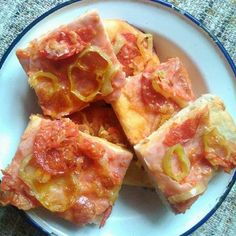 Egy finom Egyszerű gyors pizza ebédre vagy vacsorára? Egyszerű gyors pizza Receptek a Mindmegette.hu Recept gyűjteményében!