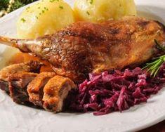 Cuisses de pintade, chou rouge confit aux pommes : http://www.fourchette-et-bikini.fr/recettes/recettes-minceur/cuisses-de-pintade-chou-rouge-confit-aux-pommes.html