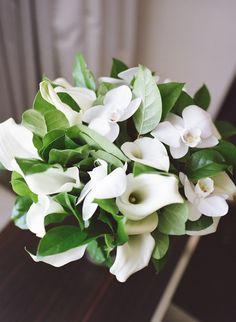 white-bridal-bouquet-virginia-wedding-Hannah-Colclazier-Hudson.jpg (586×800)