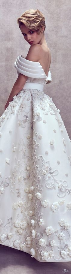 Ashi Studio Fall Couture 2017 Fashion Show Bridal Dresses, Wedding Gowns, Prom Dresses, Wedding Designs, Wedding Styles, Ashi Studio, White Fashion, Beautiful Gowns, Elegant Dresses