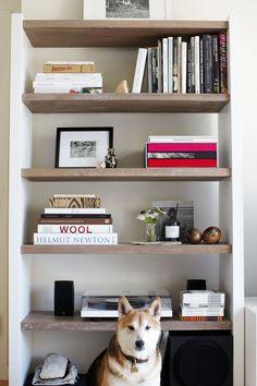 Raw Wood Shelves Built Ins 68 Ideas Timber Shelves, Bookshelf Styling, Bookshelf Design, Modern Kitchen Design, Interior Design Inspiration, Bookshelf Inspiration, Built Ins, Decoration, Interior Styling