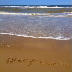 Honeycrunch #jenaaminhetzand #yournameinthesand send in  your request and receive a free picture from #Texel