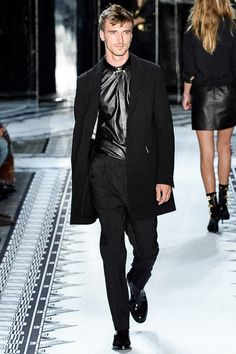 Versus Versace Spring 2015 Ready-to-Wear - Collection - Gallery - Look 1 - Style.com