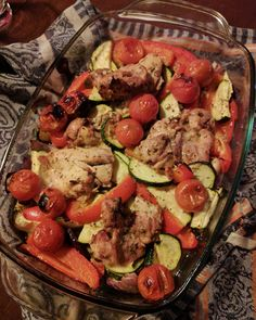 Kipdijfilet met groentes uit de oven