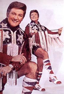 Liberace...For some reason I feel the need to file this picture for future reference.