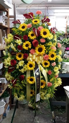Colorful Standing Spray kuiandiflorist.com #kuiandi