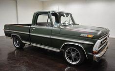 1971 Ford F100 SWB Pickup: avec 2 portes et de couleur vert à l´intérieur ainsi qu´à l´extérieur et de transmission C-4 automatique; de 56551 milles et d´un moteur V8 302 avec des roues de 18 pouces; Numéros vin utilisés: F10GCK32849 et les numéros de correspondent pas.  Ce vehicule est disponible à la vente, contactez nous sur: www.misterdeals.com / ou appelez-nous sur: 08-05-08-02-81 si ce vehicule vous interesse.   Nos prix sont: 13,499 euros