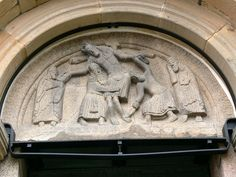 Ribe domkirke - Katzenkopfportal Tympanon - Danish sculpture - Wikipedia, the free encyclopedia