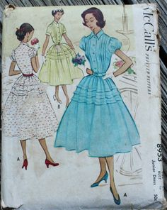 Beautiful 50s dress Http://www.etsy.com/de/listing/213192154/mccall-8953-1950er-jahre-50er-jahre