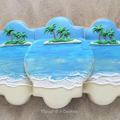 Although I made these cookies last year, I loved them so much that I made a tutorial for them this year! And since it's officially summer, now is the perfect time to make them! Link to my blog under my profile. #customcookies #instacookies #decoratedcookies #beachcookies