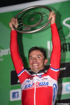 El Purito with the 2013 Il Lombardia winner's trophy