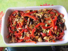 Überbackene Hähnchenfilets mit mediterranem Gemüse (low carb)