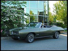 1969 Pontiac GTO Convertible 400 CI, 4-Speed.