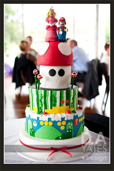 I love Mario Brothers cakes.  The bright colours just make it look so much fun!