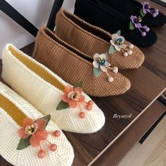Espadrilles, Slippers, Shoes, Fashion, Winter Shoes, Throw Pillows, Silk, Espadrilles Outfit, Moda