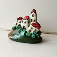 """Find and save images from the """"Kreativ - Rock / Stone / Pebble Art"""" collection by Gabis Welt :) (gabi_zitzen) on We Heart It, your everyday app to get lost in what you love. Stone Crafts, Rock Crafts, Diy And Crafts, Arts And Crafts, Pebble Painting, Pebble Art, Stone Painting, Rock Painting, Pebble Stone"""