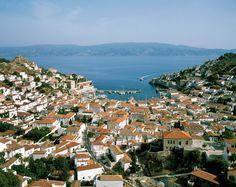 Puerto de Hydra, una de las mas hermosas islas de Grecia... Mykonos, Santorini, Hotel Villas, City Photo, Greece, River, Outdoor, Articles, Athens