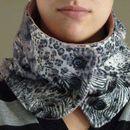 Fashionable neck warmer