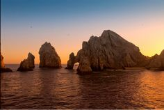 Don't miss our special promotion for our #LosCabos Deluxe Tour #Sunset #Unstoppable #LoveCabo #BCS #Mexico #Beach #Landsend #Travel #TravelMx #LoveMx #Cabo #Winter #Travel #Cabo #Beach #Praia #Playa #SeaOfCortez www.graylineloscabos.com 15% off on all tours Coupon Code: HOLIDAYSAVE