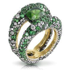 Faberge Charmeuse Verte Ring.