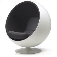 Pallotuoli - Design Eero Aarnio the Ball Chair was presented at the international furniture fair in Cologne. It was the sensation of the fair, the international breakthrough for Eero Aarnio and the start for a whole line of fibreglass designs by Aarnio.