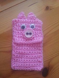 Crochet pig phone case cover