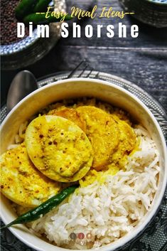 Dim Shorshe or Bengali Egg Curry with Mustard Gravy is a super quick, easy and versatile dish for a healthy lunch or dinner Egg Recipes Indian, Egg Recipes For Dinner, Veg Recipes Of India, Ethnic Recipes, Egg Curry, Bengali Food, Vegetable Curry, Everyday Food, Curry Recipes