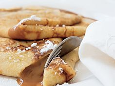 Crêpes w/ Creamy Caramel / The gooey caramel inside these crepes make them a must-have dessert. Crepe Recipes, Brunch Recipes, Wine Recipes, Breakfast Recipes, Dessert Recipes, Cooking Recipes, Group Recipes, Breakfast Options, Brunch Ideas