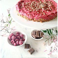 The Stylist Splash   Raspberry Mousse Cake:  gluten free, sugar free cake, raw no bake