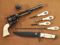 美しく力強い意匠。緻密に彫刻された銃アートの世界   ADB