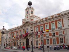 Viaje al centro de Madrid | Hoteles de referencia junto a la Casa Correos, en la Puerta del Sol de Madrid