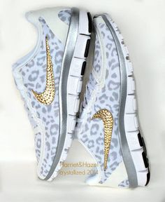 These gold and white sboes are amazing and best fir holiday spirits . Do try these amazing Nike shoes .