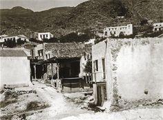 """Σφακιά 1913. Hubert Pernot """"Εξερευνώντας την Ελλάδα. Φωτογραφίες 1898-1913"""" Street View, Outdoor, Outdoors, Outdoor Games, Outdoor Living"""
