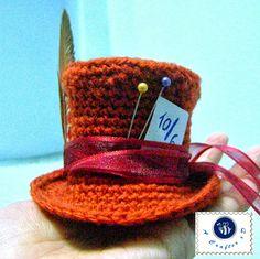 crochet mini mad hatter hat, crochet Mad Hatter hat, crochet Mad Hatter hat free pattern, crochet tiny hat
