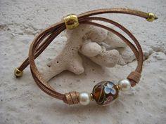 Pulsera en cristal de murano beis .Precio:4´50€ // Murano glass bracelet beige. Bracelet Price: 4'50 €