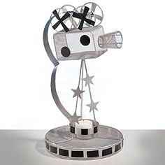 Add a little camera magic to your Hollywood-themed table!