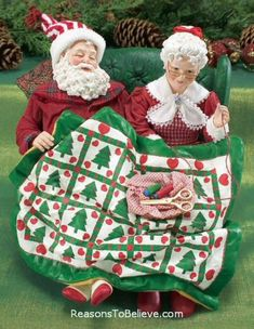 Sew Sleepy Mr and mrs claus Father Christmas, Santa Christmas, Christmas Carol, Santa Figurines, Christmas Figurines, Vintage Christmas Images, Christmas Pictures, Santa Claus Figure, Santa Decorations