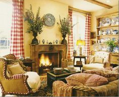 Makes me want to go home and paint the walls that warm gold.  Have red burlap for curtains.........