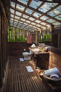 Outdoor Bathrooms 558164947570465704 - Bambu Indah Source by atelierlespetit Hut House, Bali House, Outdoor Baths, Outdoor Bathrooms, Cabin Homes, Shed Homes, Bamboo House Design, Wooden House, Tropical Houses