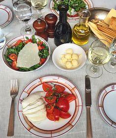 Lunch time🍴😋 #Cipriani #nyc #italianfood #mozarella #lunch #moalmada