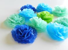 mini tissue paper party flowers: Grow Creative, tutorial, diy, maak papieren bloemen met punch (of stans),