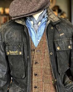 Casual T Shirts, Men Casual, Belstaff Jackets, Men Style Tips, Mens Fashion, Fashion Outfits, Mode Inspiration, Mens Clothing Styles, Well Dressed