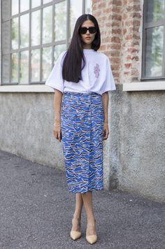 Gilda Ambrosio making waves in her Kenzo skirt. Milan #modestfashion #tzniutfashion