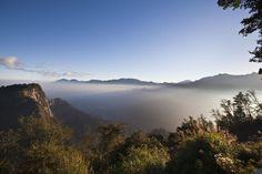 Taiwan Rundreisen - Jetzt Urlaub buchen!  Tai Pan Destinations, Destination Voyage, Explorer, Asian Art, Strand, Culture, River, Mountains, Outdoor