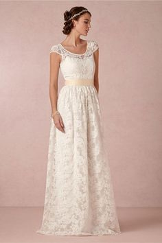 scoop-and-boat-neck-wedding-dresses-253-int.jpg (600×901)