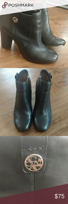 """Coach Black Leather Tavi Booties In EUC!  True to size. Size zipper closure. Soft buttery black leather. Very minor signs of wear from normal use. Heel approx 4"""". Rounded toe. Perfect with skinny jeans or leggings! Great addition to your closet! Coach Shoes Ankle Boots & Booties"""