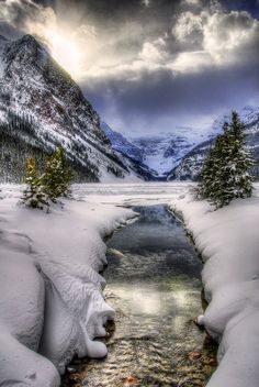 Winter at Lake Louise, Banff National Park, Canada, photo by photostream. Beautiful World, Beautiful Places, Beautiful Pictures, All Nature, Amazing Nature, Banff National Park, National Parks, Lac Louise, Nature Landscape